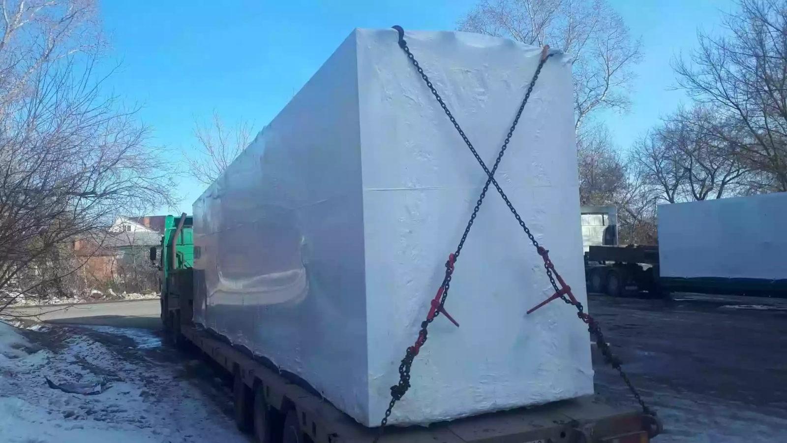 Упаковка блочно-модульного оборудования в термоусадочную пленку на вашем предприятии сотрудниками Fastpack за 60 минут.