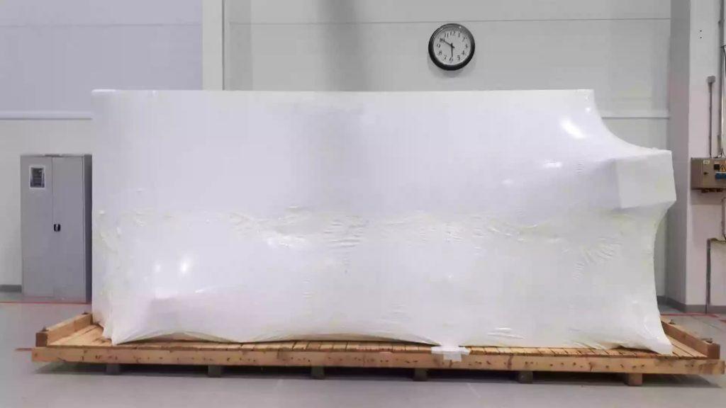 Выполнена упаковка станка в промышленную термоусадочную пленку