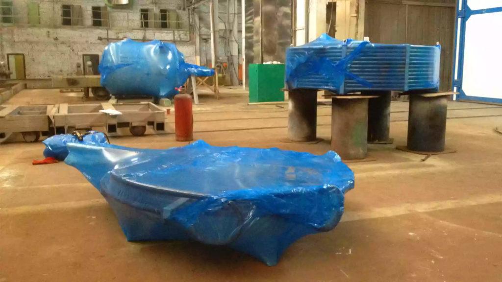 Среди видов упаковки металлоконструкций выделяют: мягкую, твердую и упаковку в антикоррозионную ингибированную пленку
