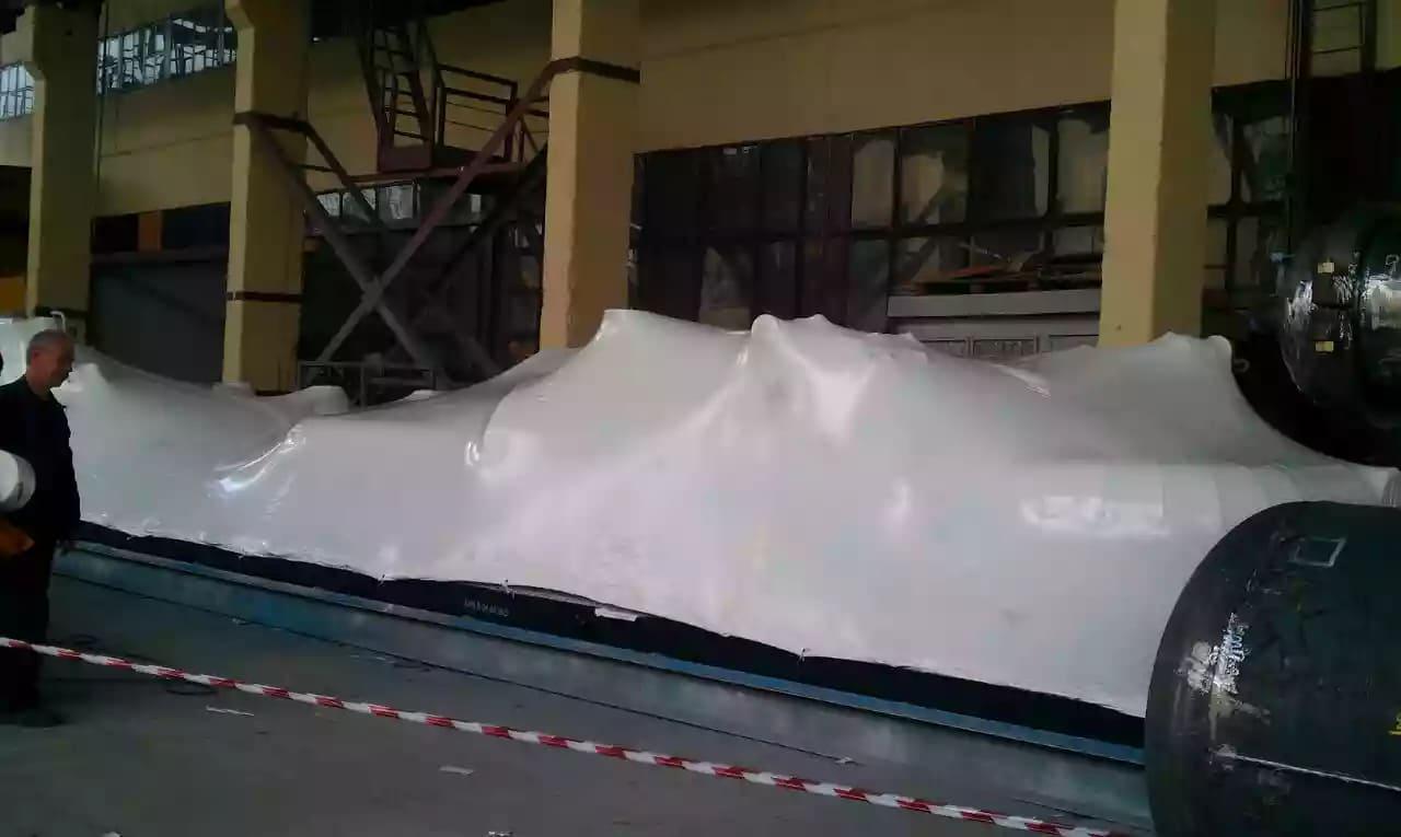 Упаковка нестандартного объекта в промышленную термоусадочную пленку
