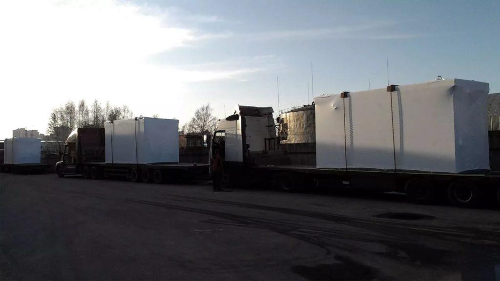 Оборудование было упаковано в промышленную термоусадочную пленку FastPack белого цвета, толщиной 190 мкм