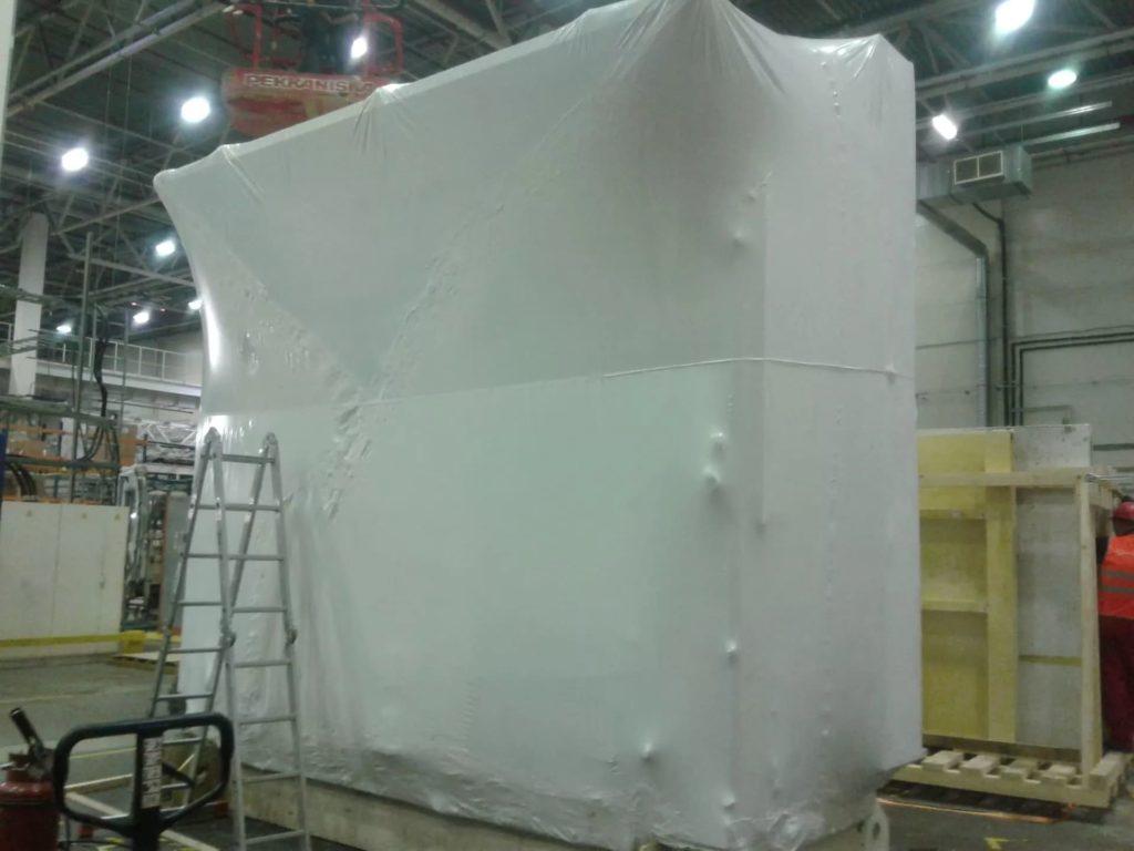 Упаковка в пленку FastPack толщиной 190 мкм крупногабаритного объекта