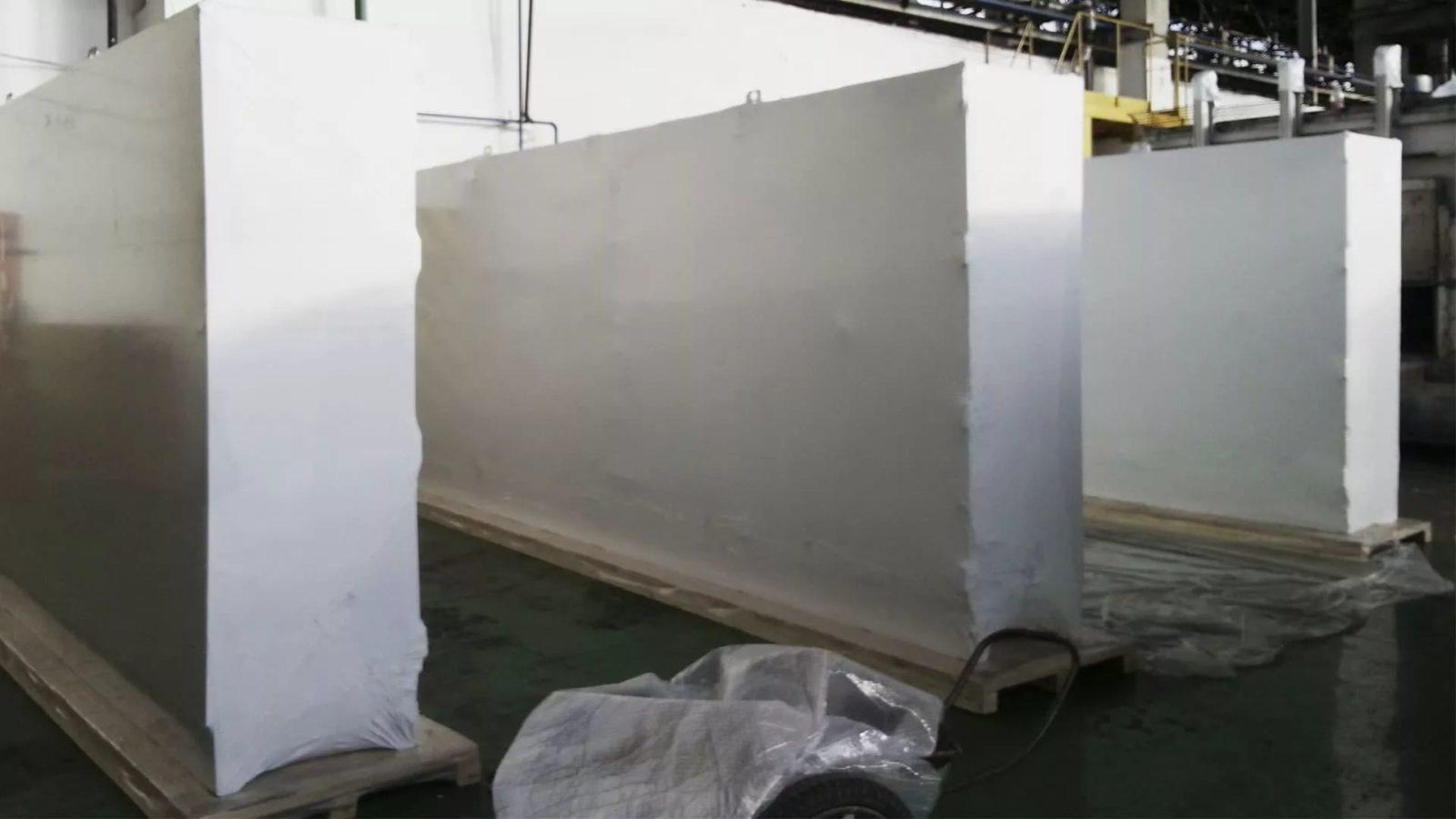 Упаковка электротехнического оборудования в термоусадочную пленку FastPack