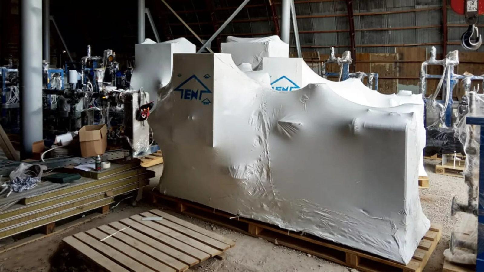 Упаковка сложных промышленных объектов в термоусадочную пленку