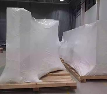 Упаковка крупногабаритных грузов в термоусадочную пленку специалистами FastPack.
